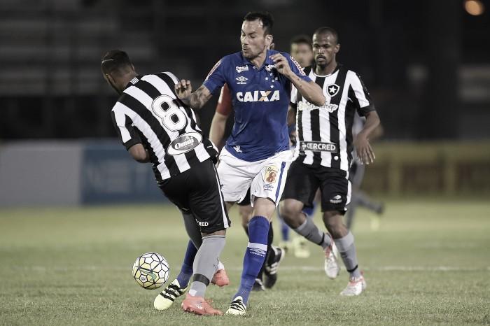 Letal, Cruzeiro goleia Botafogo e encaminha classificação na Copa do Brasil