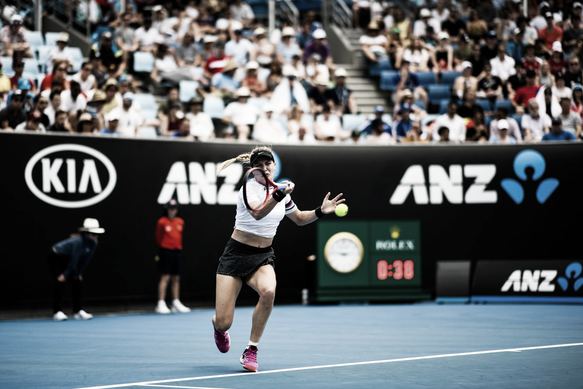 Bouchard atropela Peng e marca encontro com Serena na segunda rodada do Australian Open