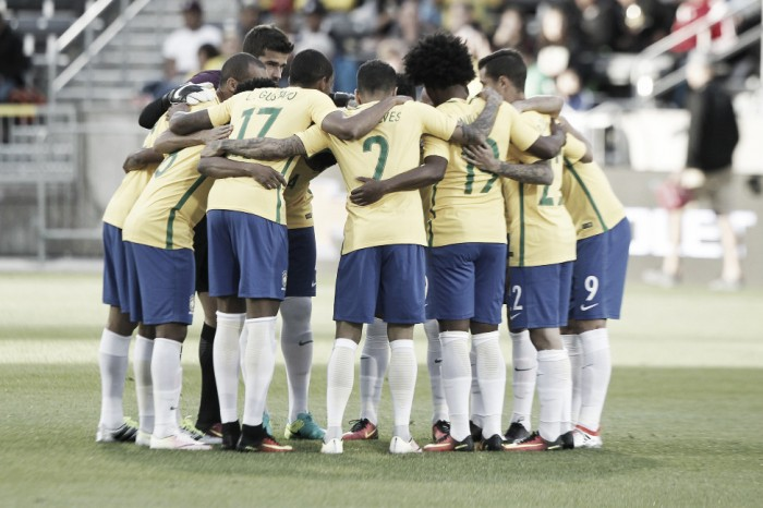 Dunga promove alterações táticas e elogia desempenho da Seleção Brasileira