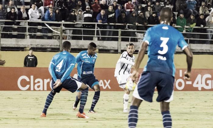 Leandro Oliveira marca no início do segundo tempo e Bragantino vence Avaí pelo placar mínimo