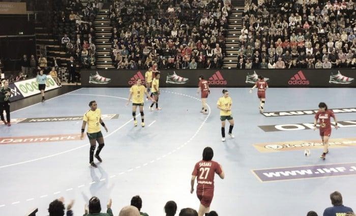 Brasil sofre diante do Japão, mas consegue o empate na estreia do Mundial de Handebol Feminino