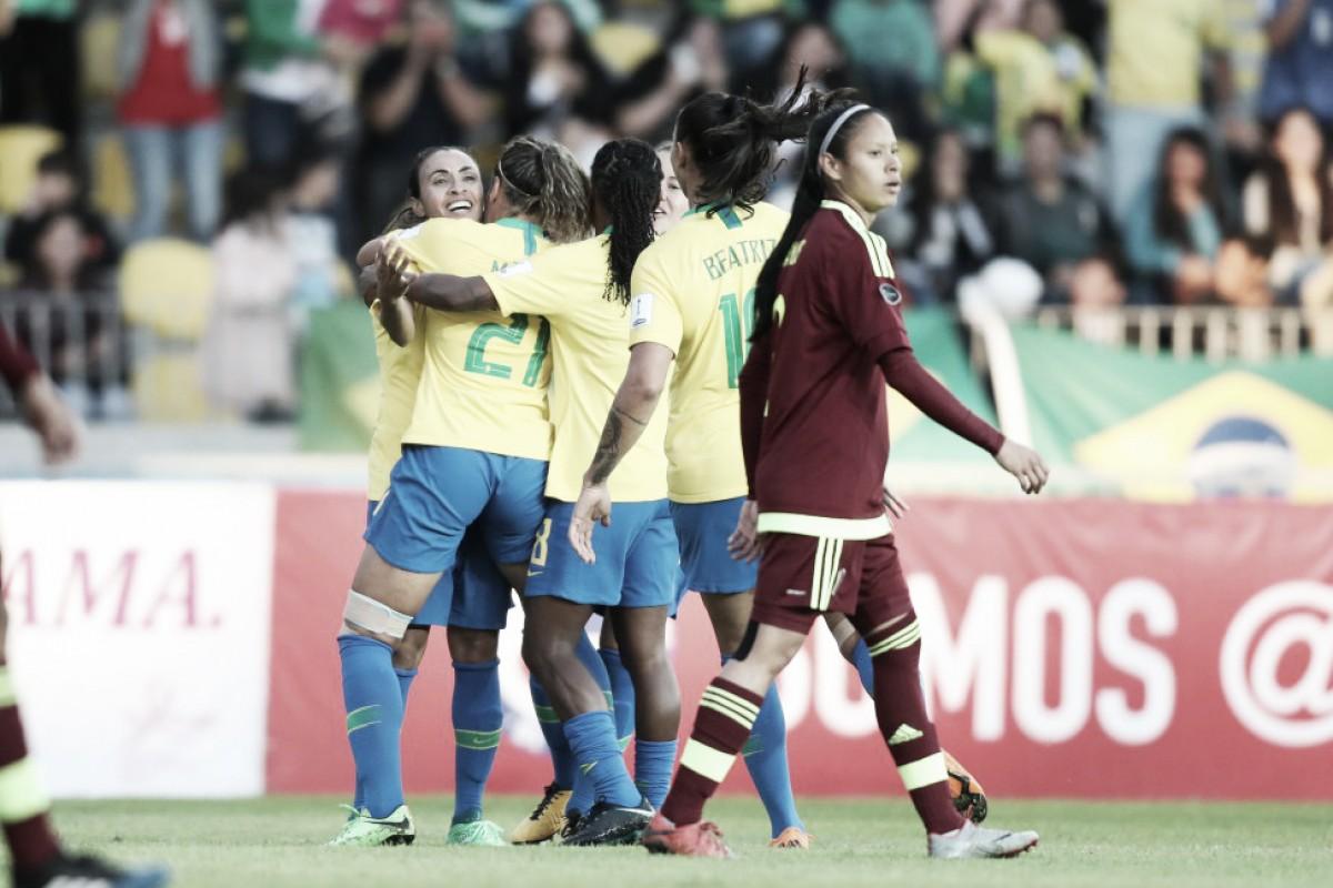Brasil goleia Venezuela e segue invicto na Copa América Feminina