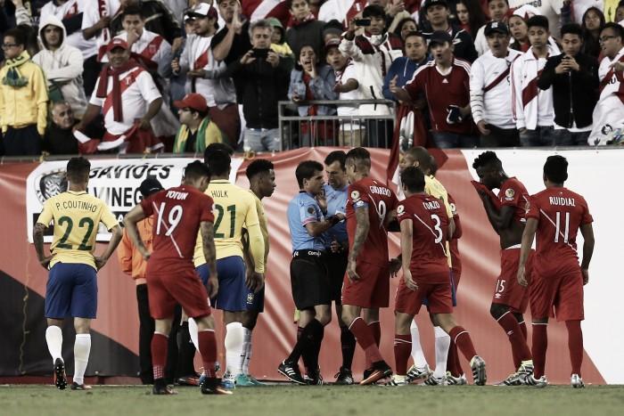 Peru ganha com gol irregular e elimina o Brasil da Copa América