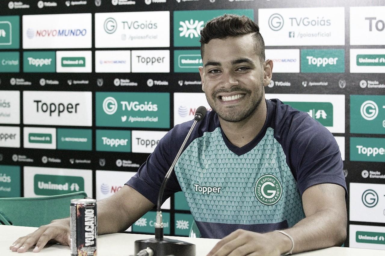 Em busca de soluções para o ataque, Avaí anuncia contratação de Brenner, ex-Goiás