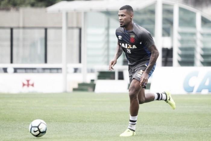 Zagueiro Breno será submetido a artroscopia no joelho e desfalca Vasco em reta decisiva