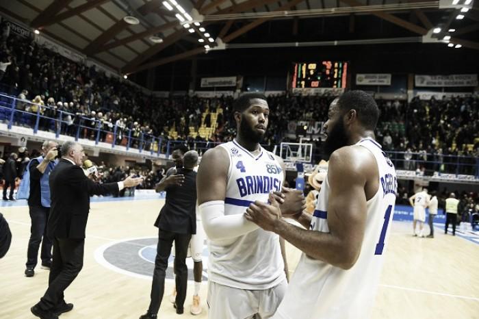 Legabasket Serie A - Brindisi batte Capo d'Orlando e la scavalca, corsa playoff all'ultimo respiro
