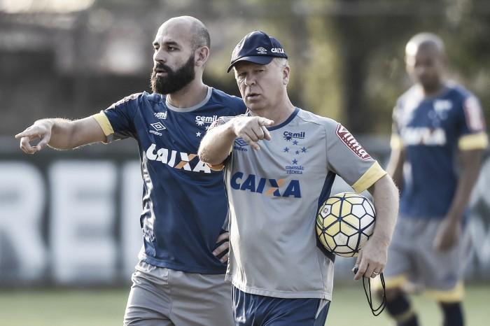 Mano Menezes perde Bruno Rodrigo e relaciona 22 jogadores para enfrentar o Sport