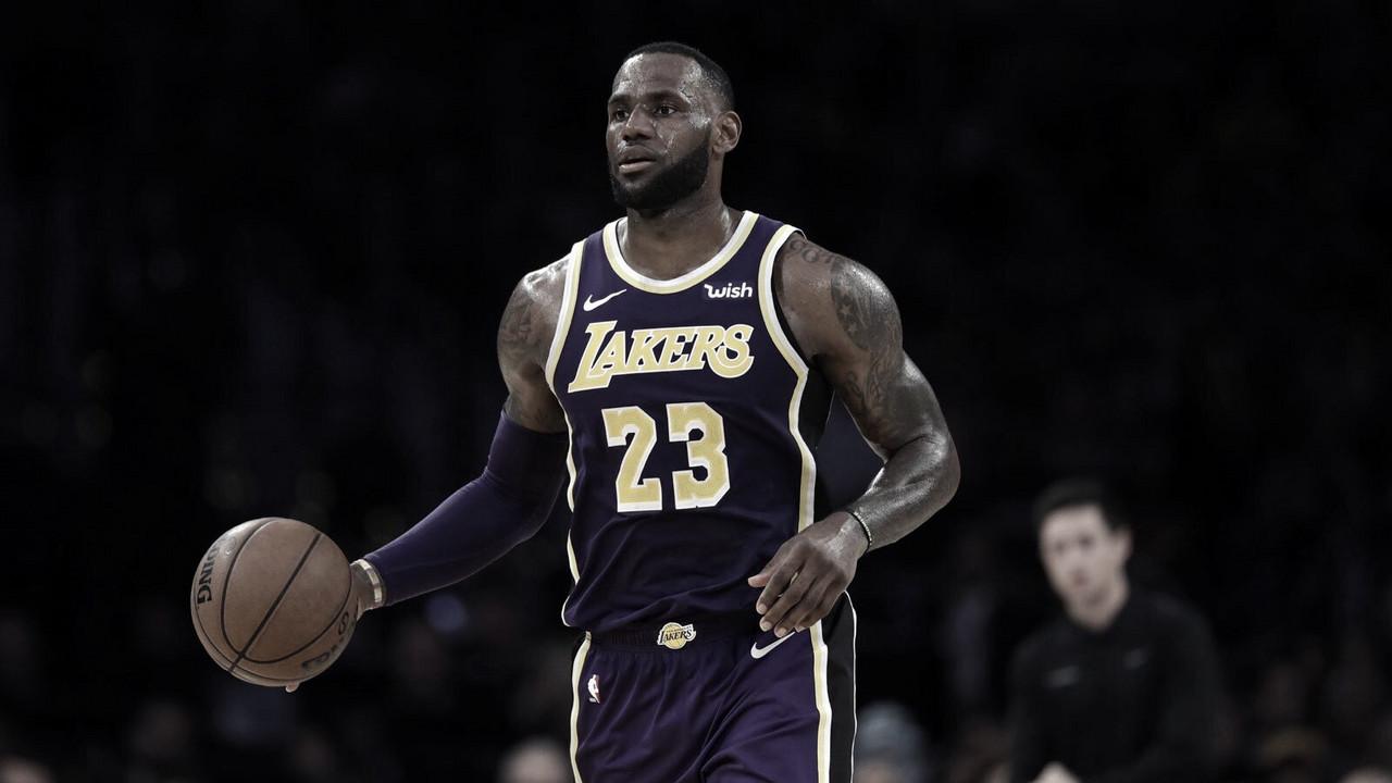 LeBron pasa a Jordan en puntos