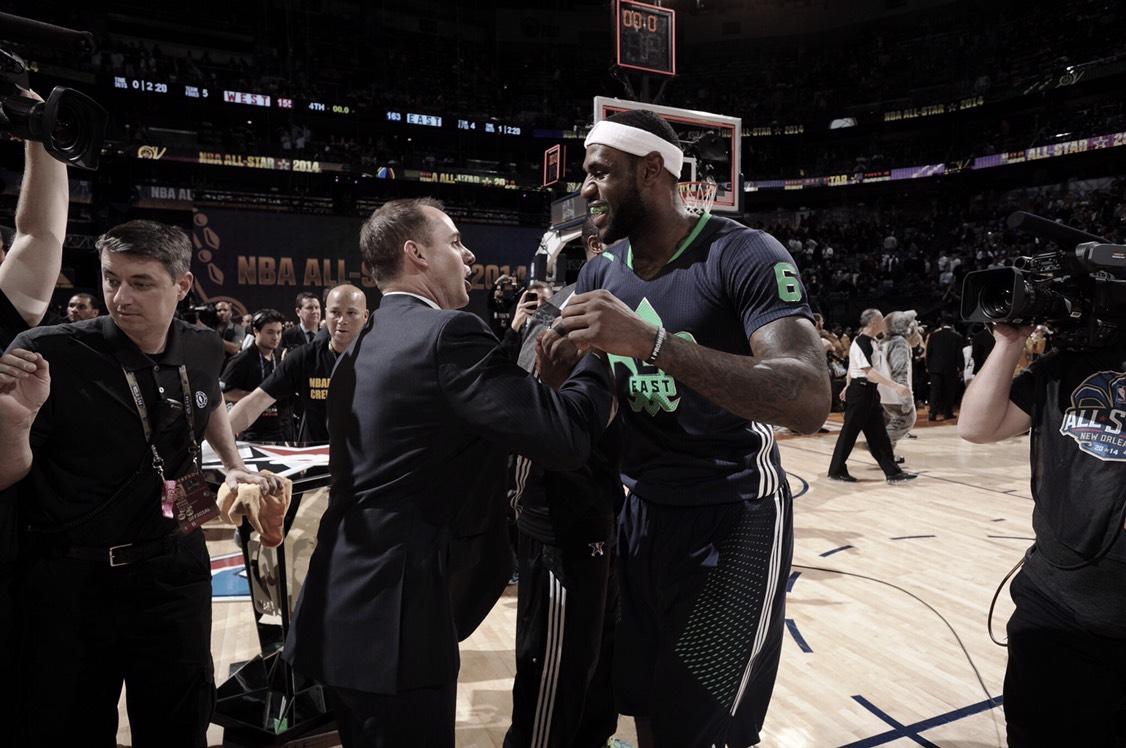 Frank Vogel será el encargado de dirigir a los Lakers
