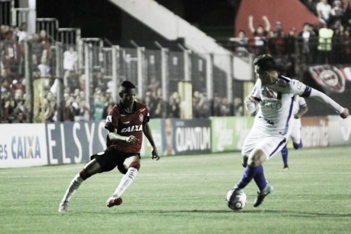 Com estádio lotado, Brasil de Pelotas derrota Paraná e se afasta do rebaixamento