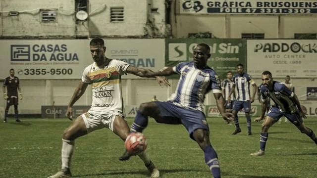 Avaí goleia Brusque e garante liderança do Campeonato Catarinense