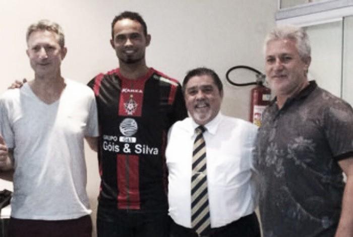 Mais dois patrocinadores rompem com Boa Esporte, que emite nota para explicar contratação de Bruno