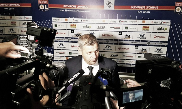 Bruno Genésio lamenta derrota, mas aprova postura do Lyon ante PSG