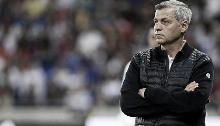 Técnico do Lyon, Bruno Genésio lamenta goleada sofrida na SuperCopa da França