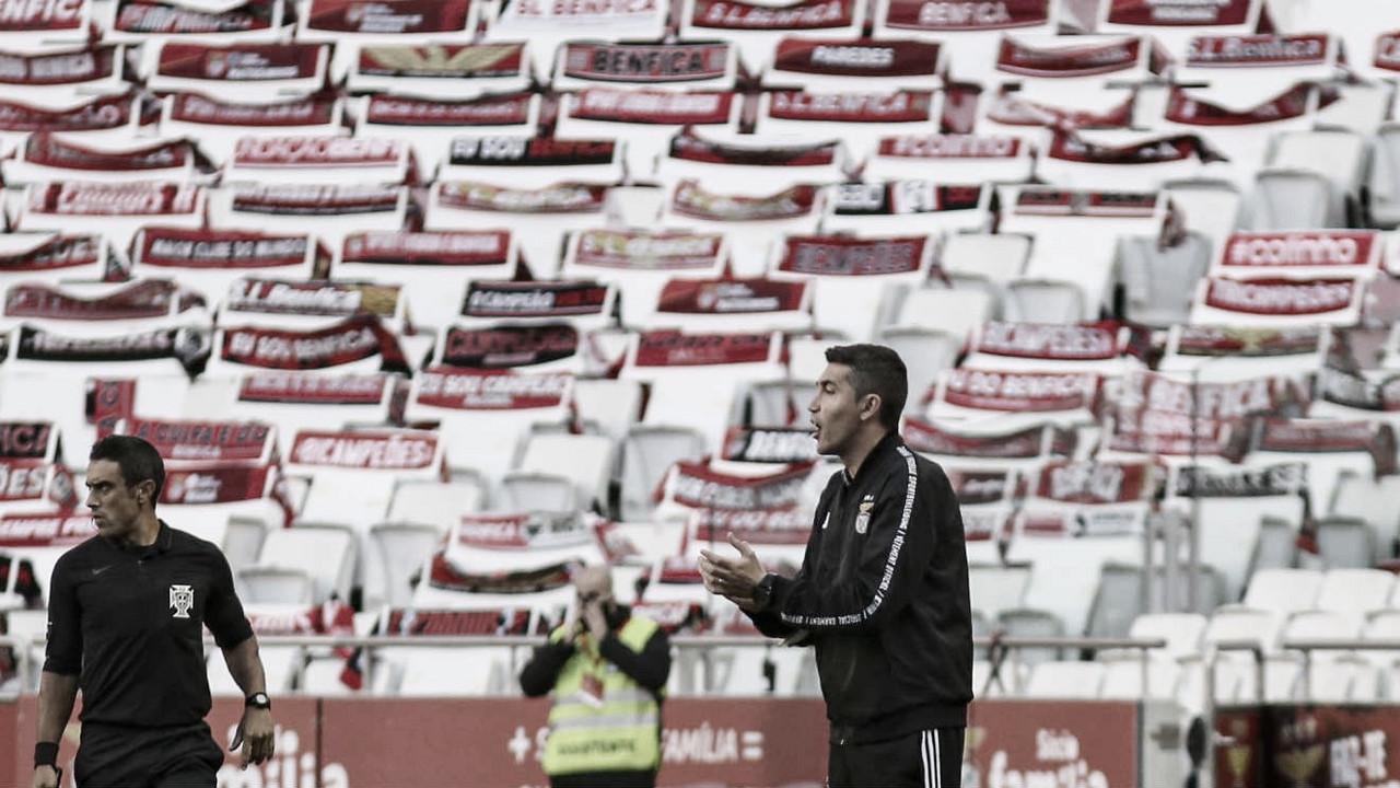 Após tropeço em casa, Bruno Lage lamenta chance desperdiçada pelo Benfica de assumir liderança