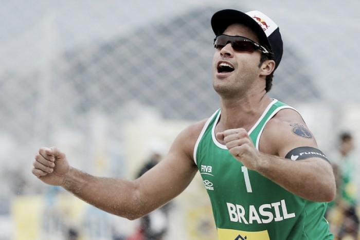 Bruno Schmidt, melhor jogador do mundo pela segunda vez consecutiva