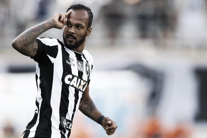 Gilvan confirma Bruno Silva como reforço; Botafogo e empresário negam