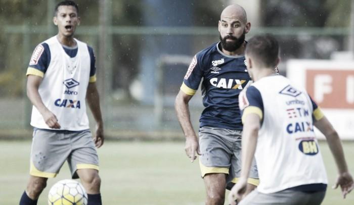 Tranquilo por renovação de contrato, Bruno Rodrigo celebra semana cheia no Cruzeiro