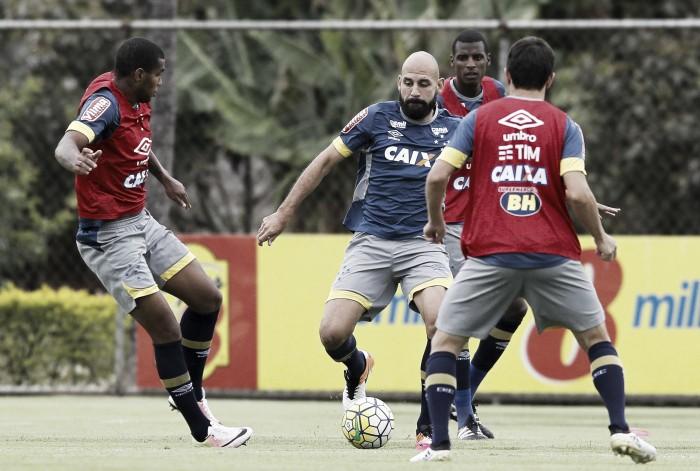 Bruno Rodrigo reitera desejo de renovar com Cruzeiro e deixa nas mãos da diretoria e do agente