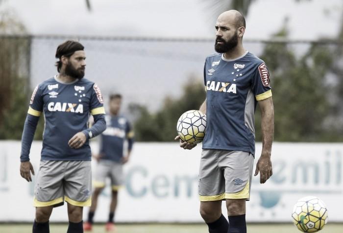 Bruno Rodrigo se recupera de tendinite no joelho e Robinho segue como dúvida no Cruzeiro