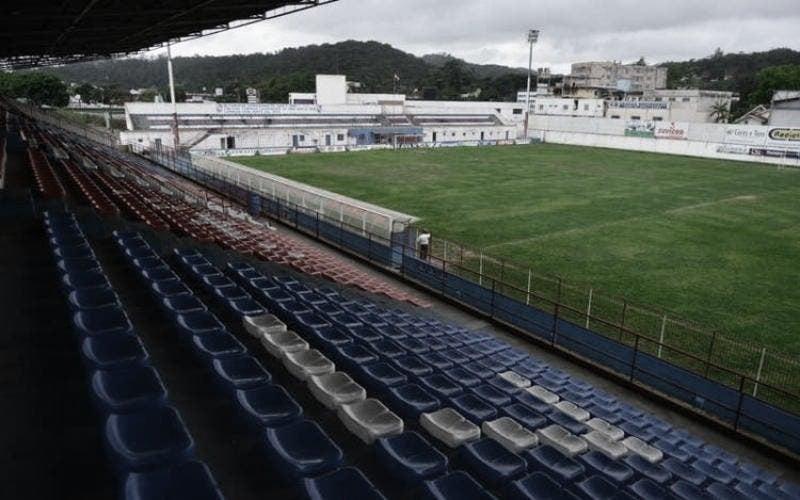 Pensando no acesso, Brusque e Goiás se enfrentam no Augusto Bauer