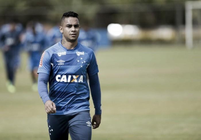 Com ausência de Diogo Barbosa, Bryan vive expectativa de ser titular do Cruzeiro contra Vasco