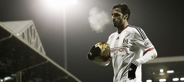 Fulham extend Bryan Ruiz' contract, triggering clause in his deal