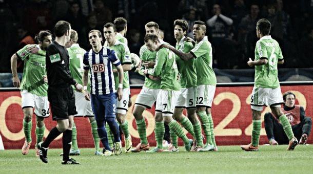 Wolfsburg vira sobre o Hertha em plena Berlim e sobe para o quinto lugar