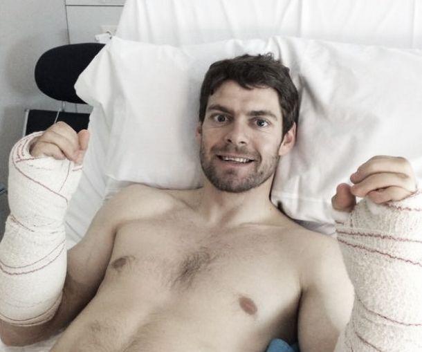Crutchlow se opera del síndrome compartimental en ambos brazos