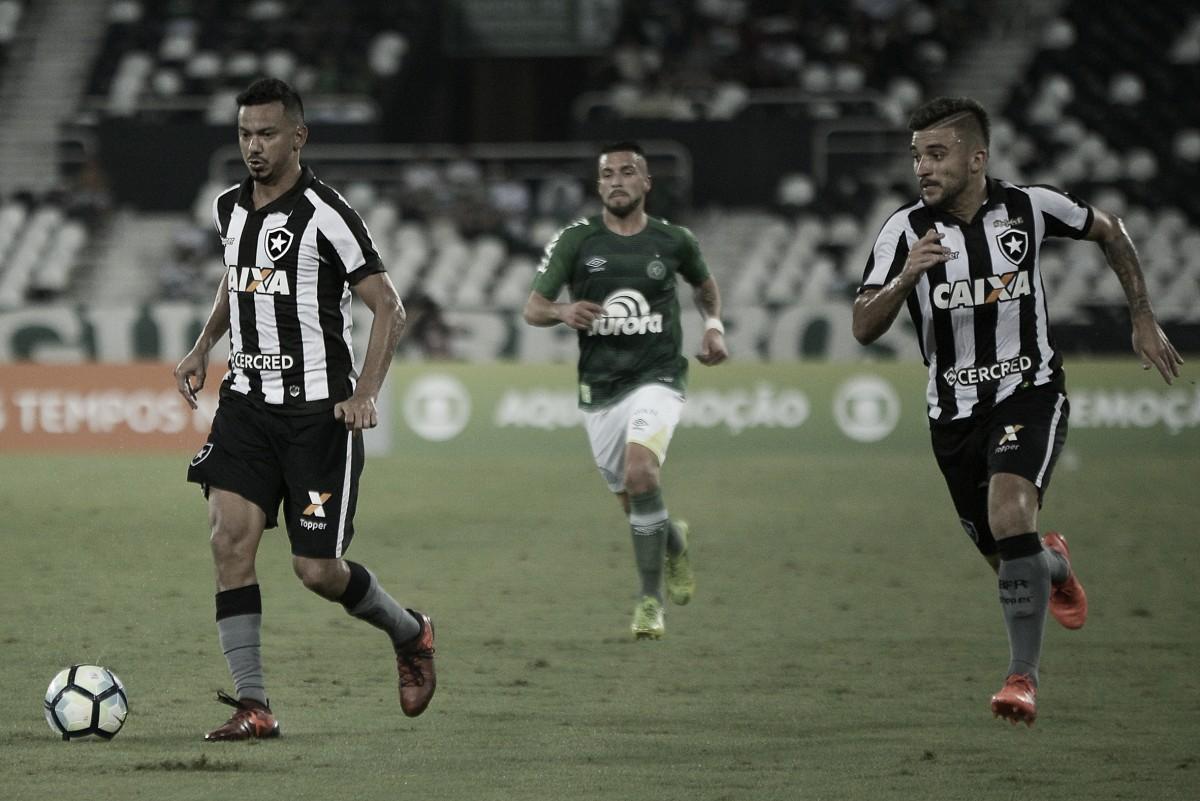 Botafogo encara Chapecoense por recuperação no Brasileiro