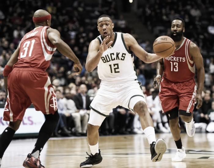 Los Bucks cortan la mala racha contra Rockets