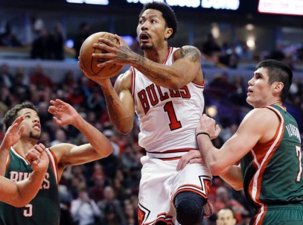 Score Milwaukee Bucks - Chicago Bulls in 2015 NBA Playoffs Game 2 (82-91)