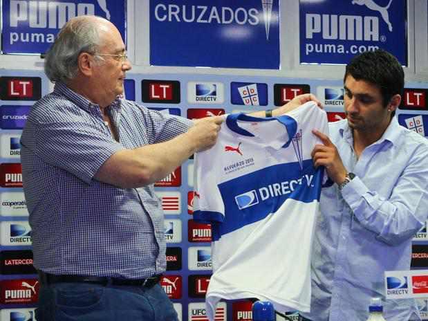 Carlos Bueno, nuevo jugador de la Universidad Católica