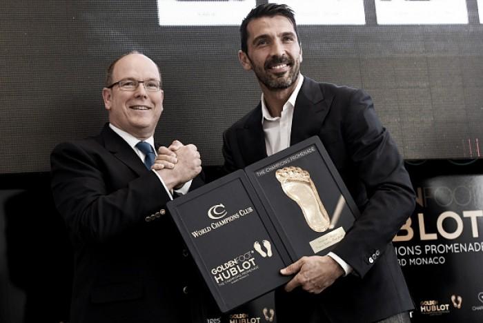 Nada de Cristiano Ronaldo ou Lionel Messi: Buffon conquista o Golden Foot 2016