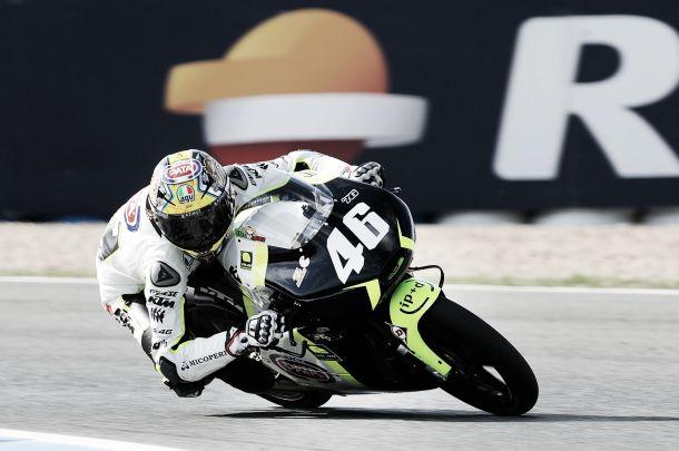 Nicolò Bulega sale líder de Jerez
