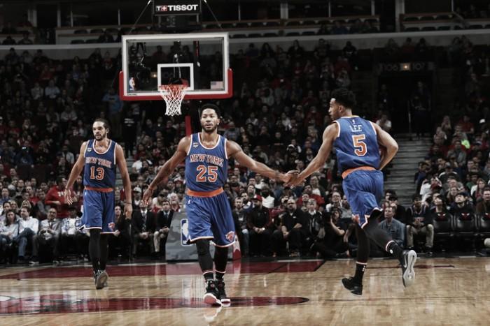 Rose ignora vaias na volta a Chicago, faz duplo-duplo e Knicks derrota Bulls