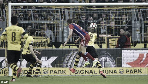 Bayern bate Borussia e prossegue caminhada tranquila rumo ao título