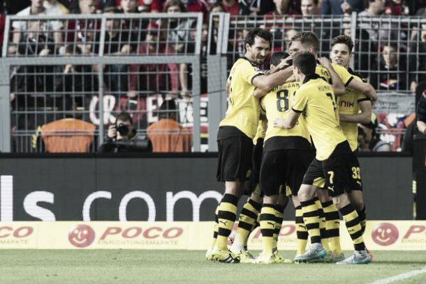 Bundesliga: Dortmund perfetto, prima per l'Augsburg, Stoccarda zero spaccato