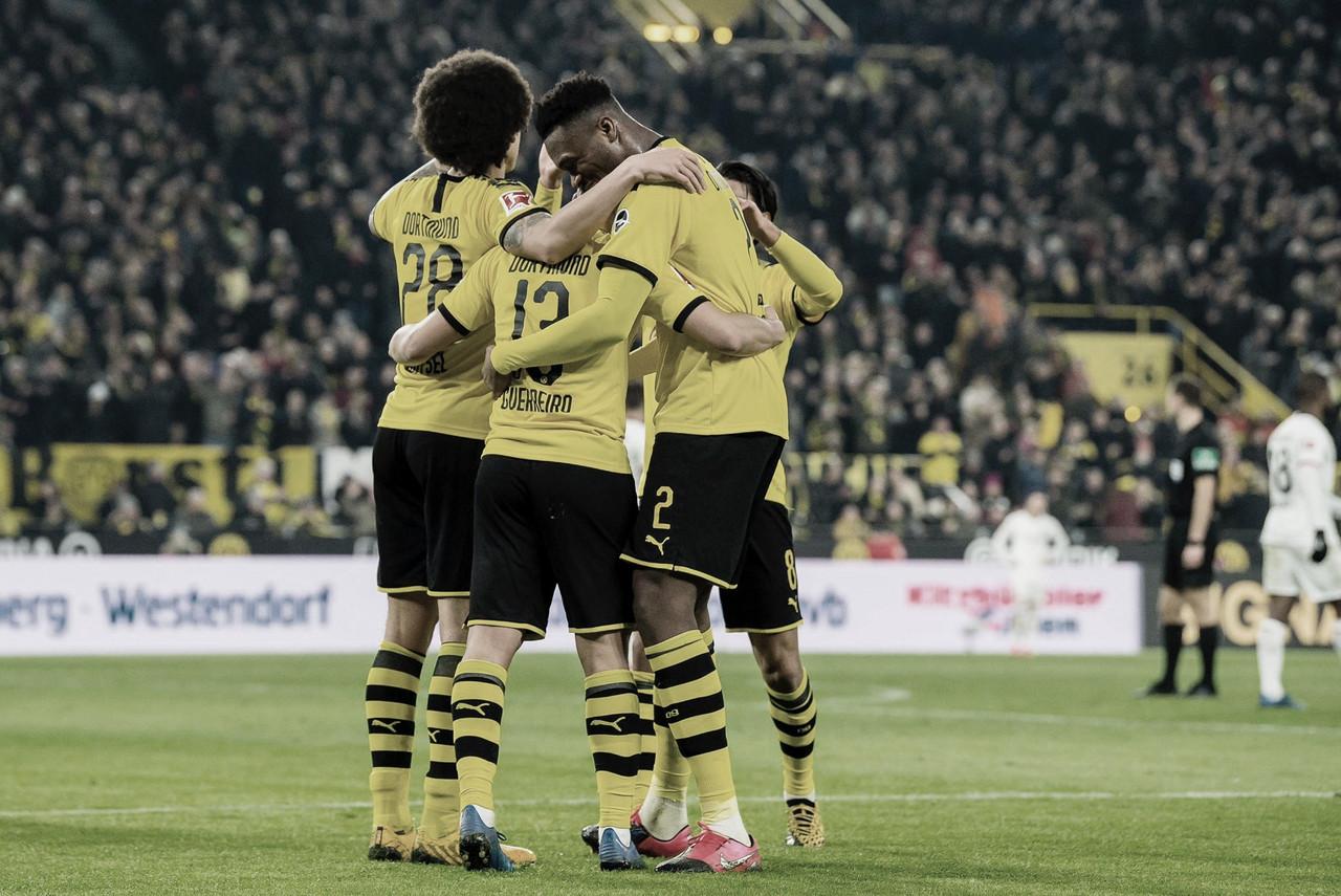 Com grande atuação no segundo tempo, Dortmund goleia Frankfurt e segue na briga pelo título