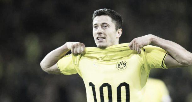 Lewandowski marca seu centésimo gol pelo Borussia Dortmund