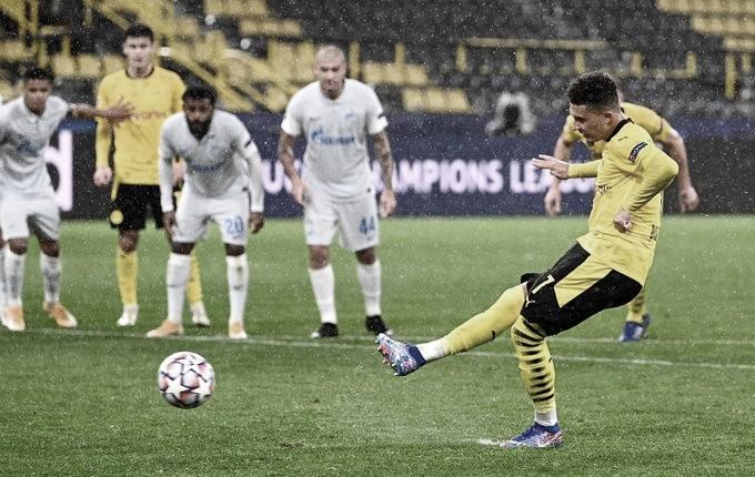 Sancho abre o placar para o Dortmund (Foto: Reprodução/UEFA)