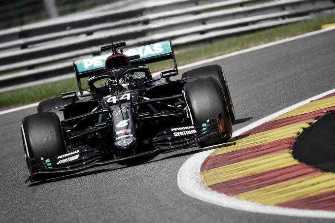 Hamilton y Mercedes se florearon en Spa