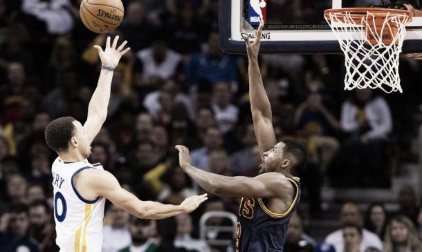 NBA Finals, buona la prima per Golden State: i Warriors battono i Cavs 108-100