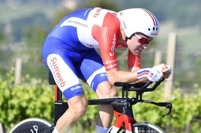 Dumoulin domina cronometro maglia rosa giro