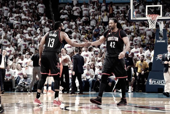 Nenê brilha, Rockets vencem Thunder fora de casa e se aproximam da classificação