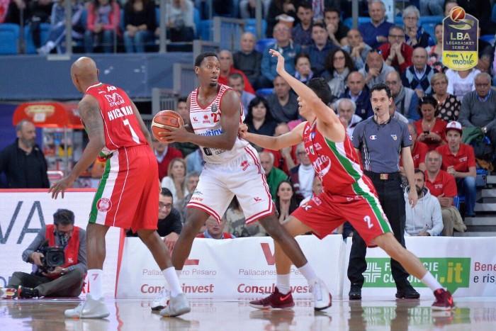 Legabasket Serie A - Pesaro vince contro Milano e si salva, Cremona retrocessa in A2