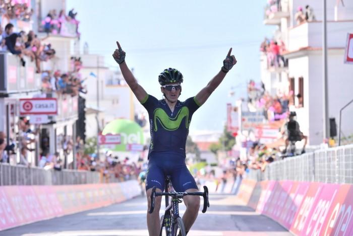 Giro d'Italia, Izaguirre beffa Visconti a Peschici, Jungels ancora in rosa