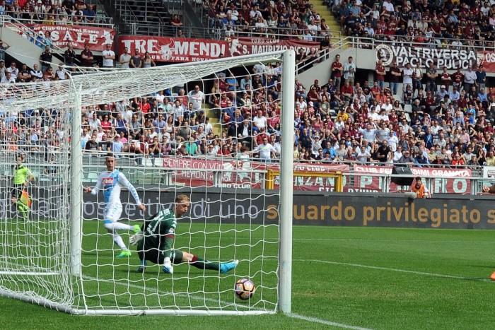 Napoli straripante, matato 0-5 il Torino