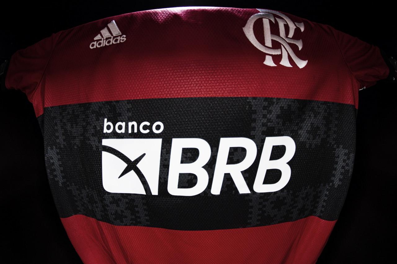 Com novo patrocinador, Flamengo ultrapassa R$ 70 milhões em publicidade no uniforme