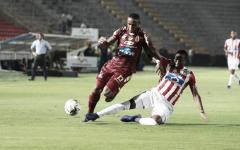 Junior de Barranquilla venció en Ibagué al Deportes Tolima e igualó la línea del líder